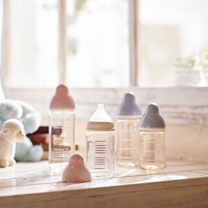広口タイプ耐熱ガラス製 哺乳びん 製品イメージ